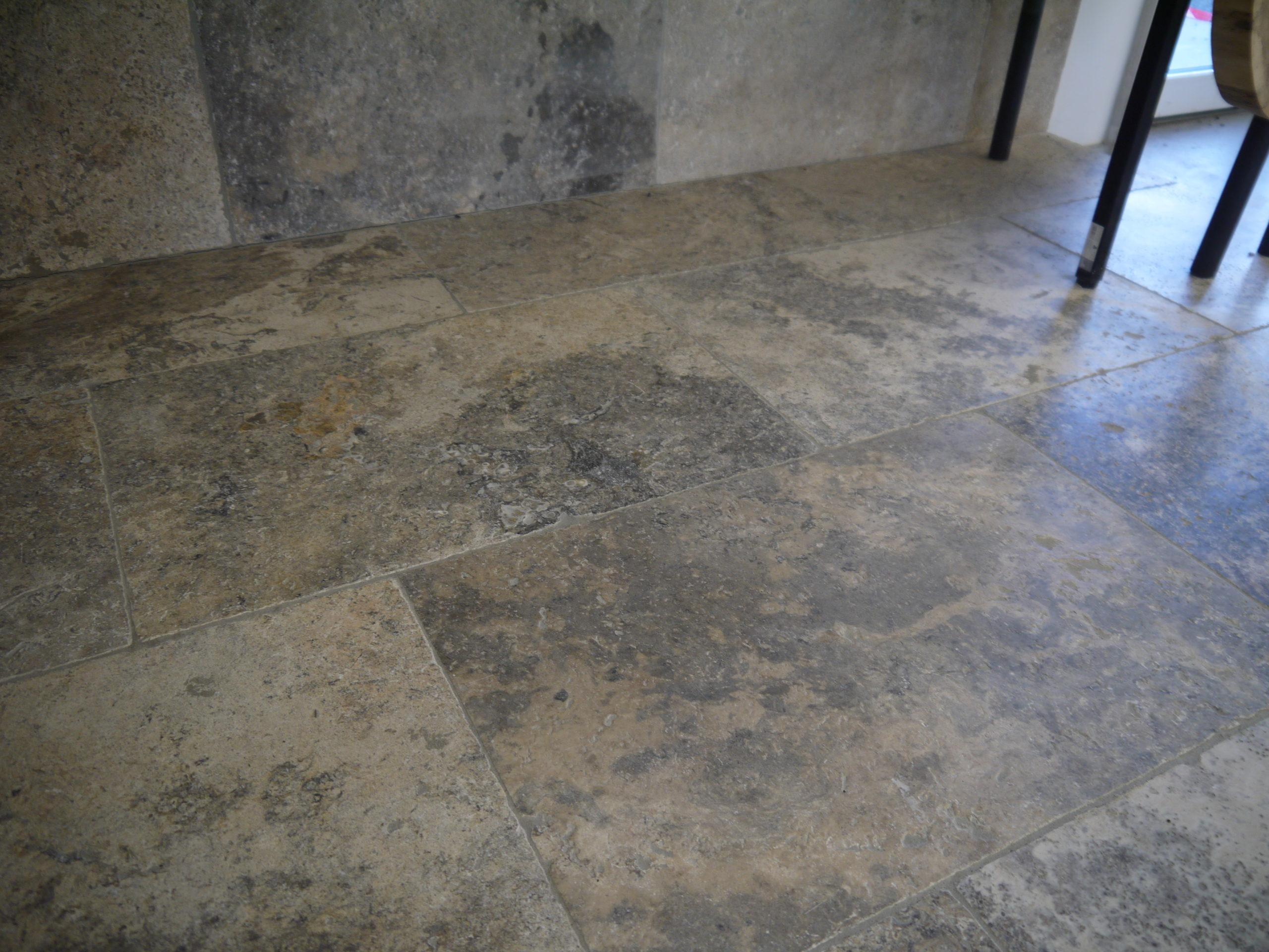dalles en pierre naturelle, Travertin, 1er choix, gris clair nuancé