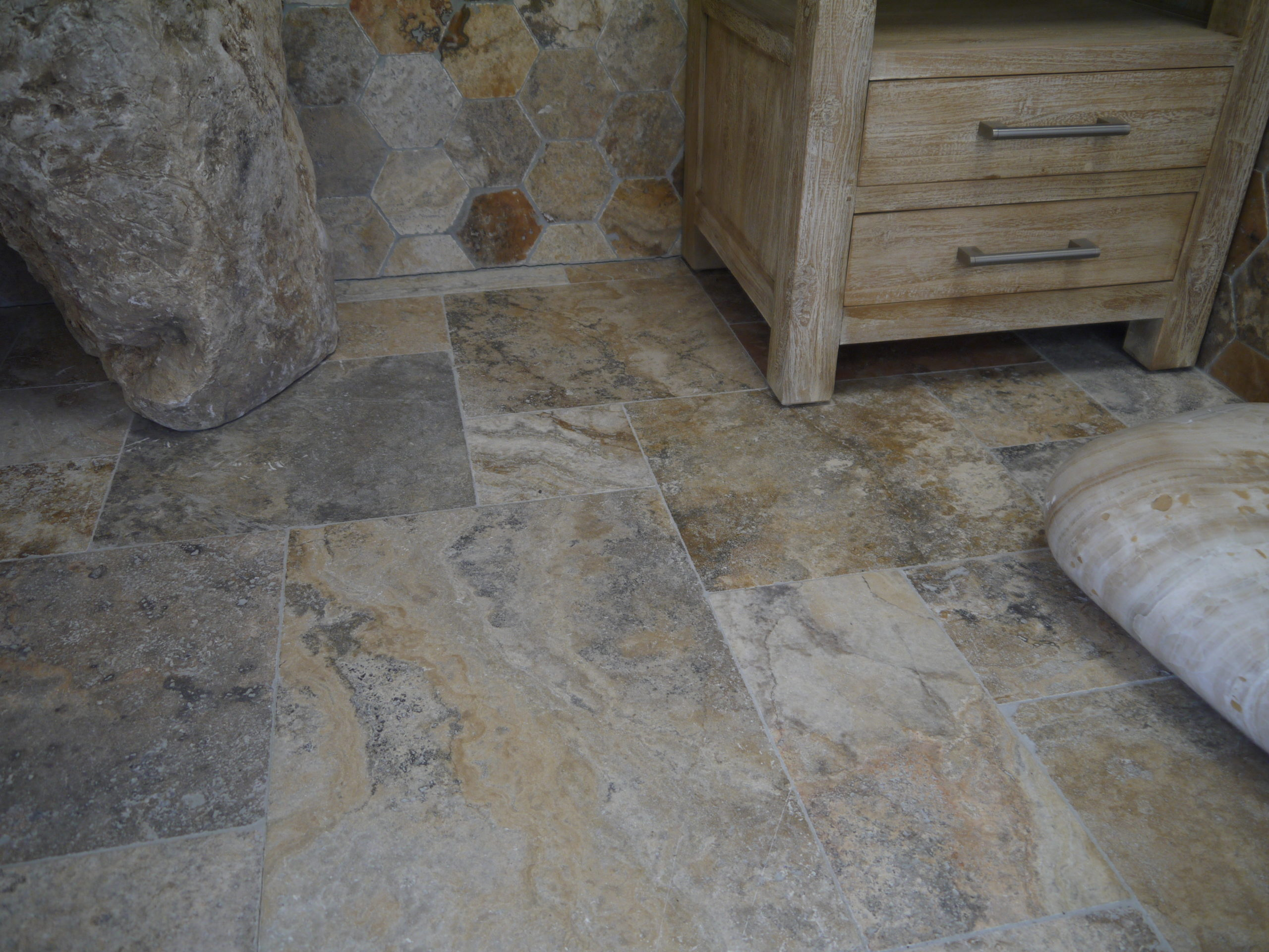 dalles en pierre naturelle, Travertin, 1er choix, doré légèrement nuancé