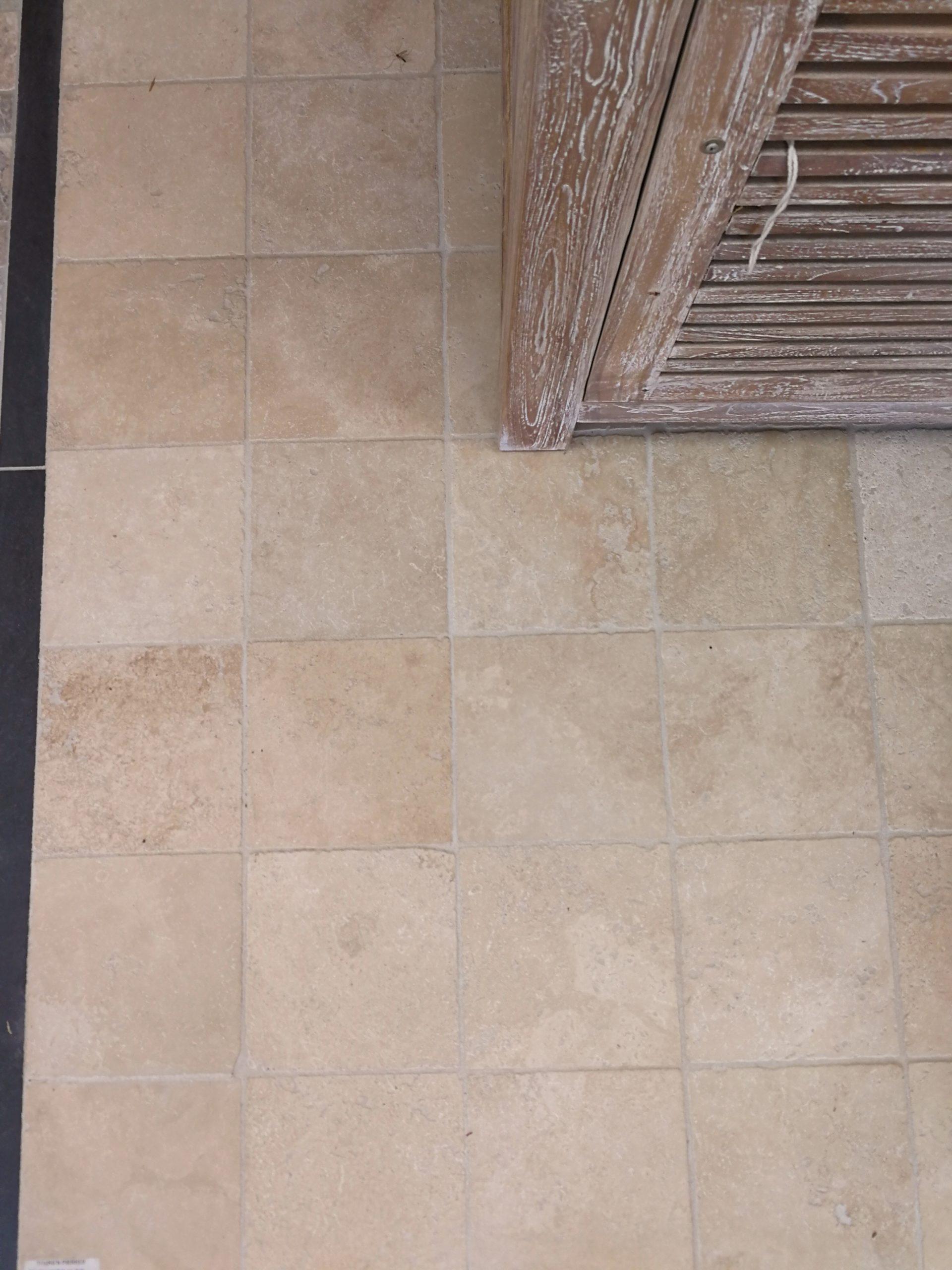 dalles en pierre naturelle, Travertin, 1er choix, beige légèrement nuancé