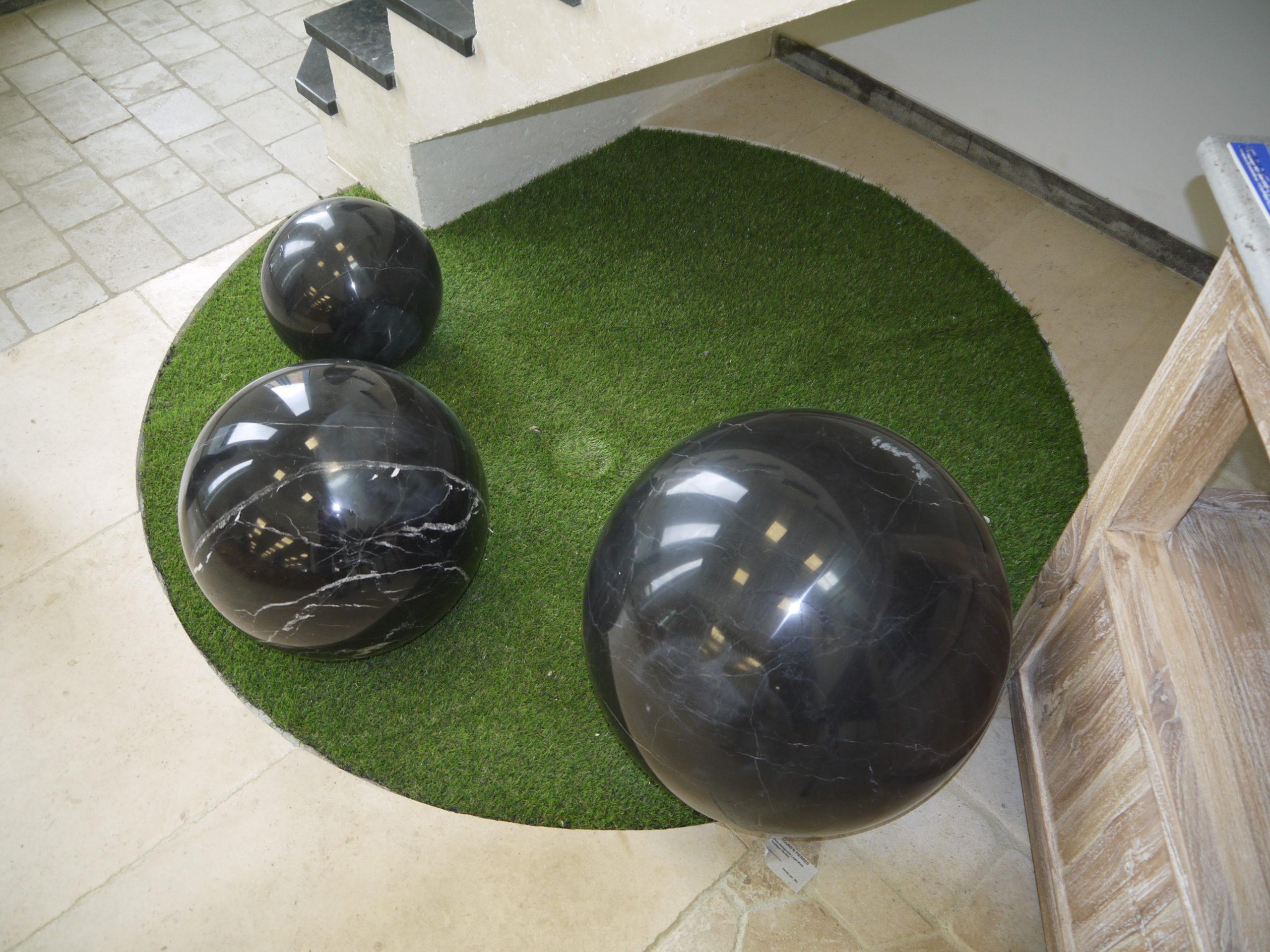 sphère décorative en pierre naturelle